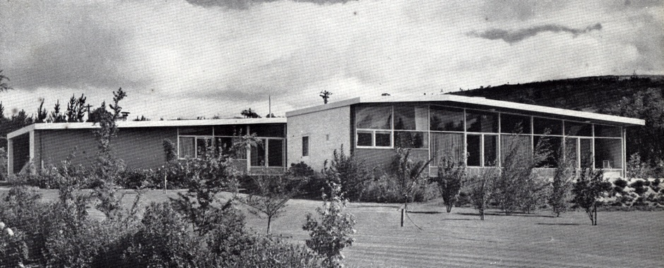 Canberra house mid century architecture and art in canberra for Home designs canberra
